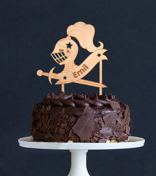 """Dein Cake-Topper """"Ritter"""" aus Holz - Wunschtext"""