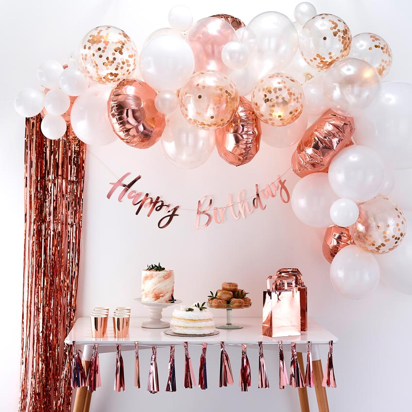 Ballongirlanden sind ein optisches Highlight auf dem Geburtstag