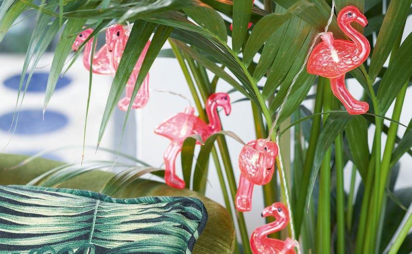 Lichterketten mit sommerlichen Motiven für deine Balkonparty findest du bei uns