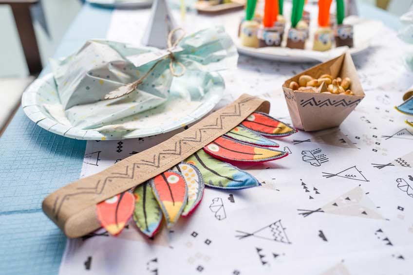 Indianerparty - tolle Accessoires für Deko und Programm findest du bei uns im Shop! (c) juliaweisshome