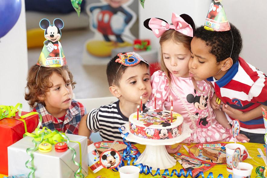 Mit Micky Maus, Minnie und ihren Freunden wird der Kindergeburtstag mäusestark