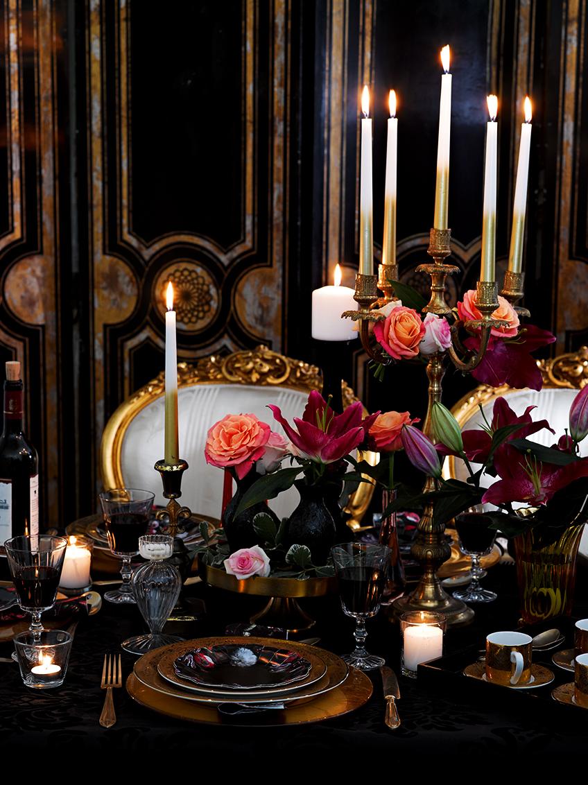 Schönes Party-Porzellan in Schwarz macht auf eurer Dinnertafel was her.