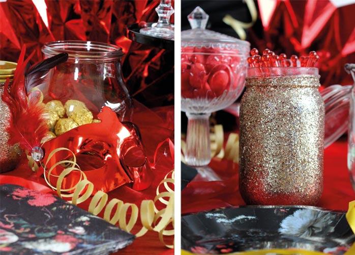 Goldene Dekogläser schmücken den Silvester-Sweet-Table (c) Mareike Winter - Biskuitwerkstatt