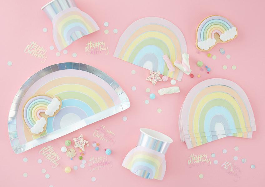 Süße Regenbogen-Motiv-Deko in schönen Pastellfarben