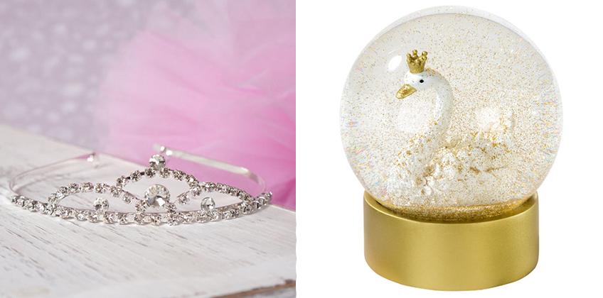 Die Schneekugel ist Deko und Geschenk - und für große und kleine Schwanenprinzessinnen haben wir glitzernde Kronen