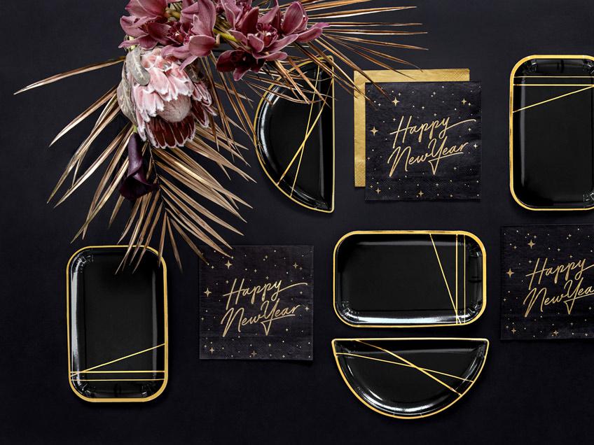 Black is beautiful - eleganter Silvester-Look mit goldenen Linien