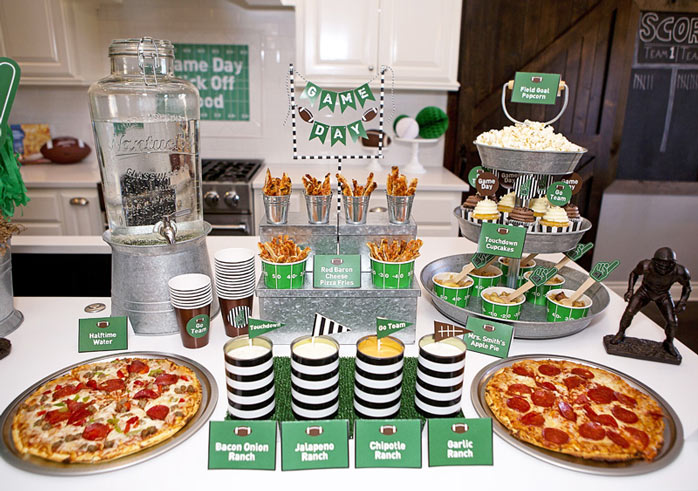 Ein passender Snack Table macht beim Super Bowl Viewing Freude (c) lillianhopedesigns.com