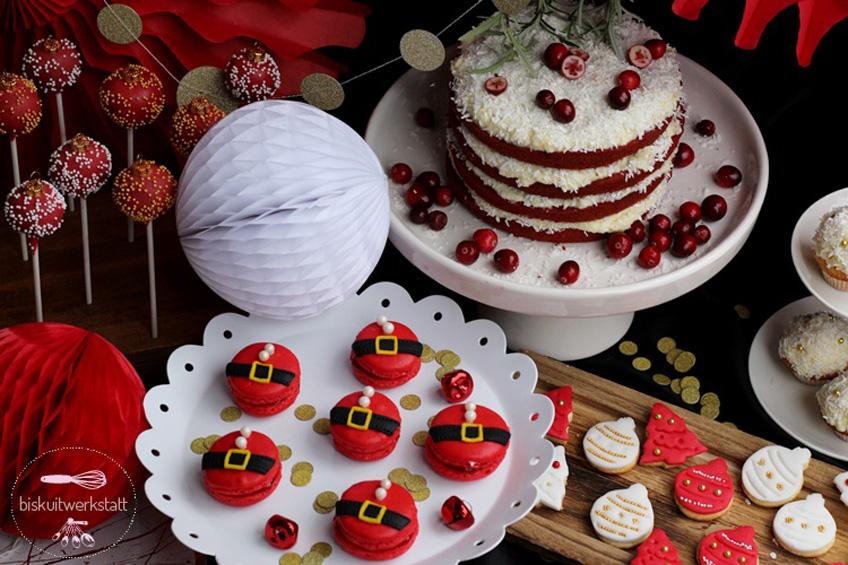 Gold, Rot und Weiß auf dem Sweet Table verbreiten Weihnachtsstimmung