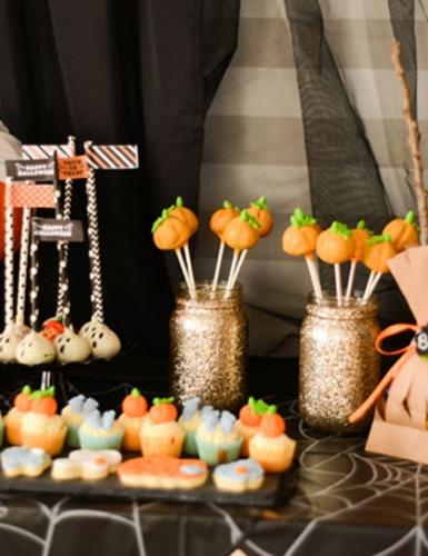 Süße Motive für das Buffet auf der Halloween-Party mit Babybauch