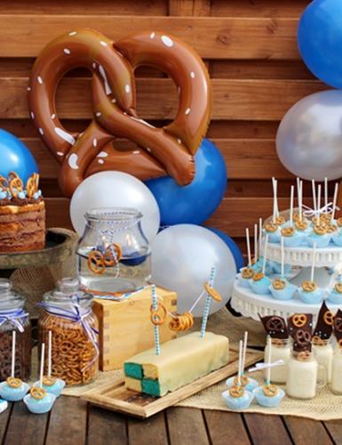 Kreativer Sweet Table mit Brezeln für die Oktoberfest-Party (c) Mareike Winter - Biskuitwerkstatt