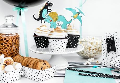 """Mit der Deko-Serie """"Dino-Party"""" bekommt ihr ratzfatz einen peppigen Sweet Table zustande"""