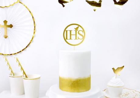 Kommunionsdekor in Weiß mit goldenen Verzierungen