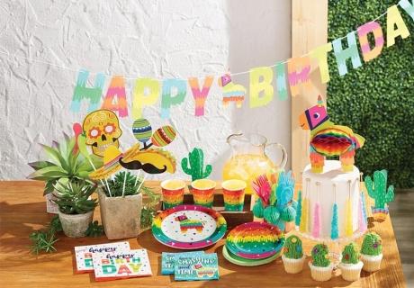 Bunte Deko für die sommerliche Fiesta - hol dir Lamas dazu!