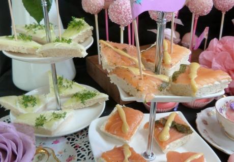 Mit den Party Picks bekommen die Snacks für die Tea Party richtig Flair