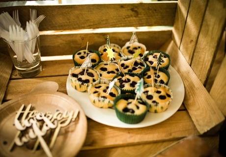 Waldtier-Geburtstag mit Nähe zur Natur - mit diesen Cupcake-Toppern garantiert (c) annalotz.fotografie