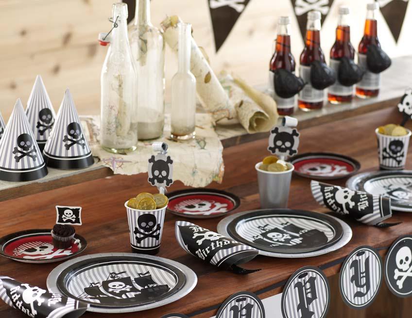 Arr! Schmücke deine Piratenparty mit Totenkopfsymbolen!